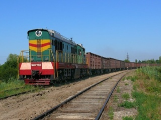 Под Николаевом поезд переехал женщину. Машинисты спрятали тело и выбросили его на другой станции