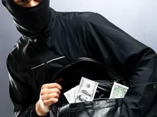 В Киеве неизвестные отобрали у сотрудника банка 2 миллиона гривен