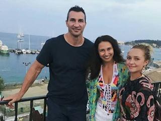 В Греции: Кличко и Панеттьери показали пляжное фото
