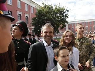 Букмекеры принимают ставки на участие Вакарчука в выборах