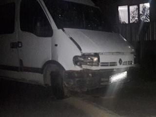 На Закарпатье машина вылетела в кювет, а пьяный водитель сбежал и бросил 5 раненых пассажиров
