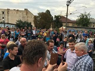 Из-за блокировки электрички во Львове опоздали 10 поездов