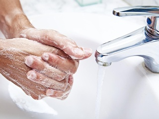 Супрун объявила бактериям бой: как не заразиться ботулизмом, дизентерией и сальмонеллезом