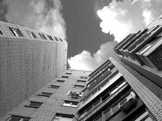 В Днепре мужчина выпрыгнул из окна на 7 этаже в день своего рождения