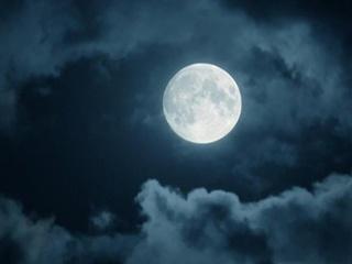 Как скажется полнолуние 26 августа на разных знаках Зодиака