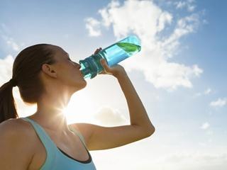 Супрун назвала мифом рекомендацию пить 2,5 литра воды в день