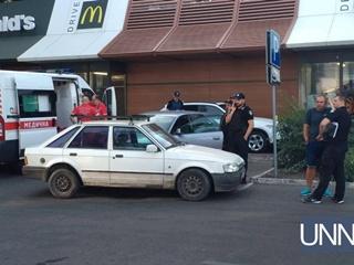 В Одессе 22-летняя девушка открыла стрельбу на улице, есть пострадавшие