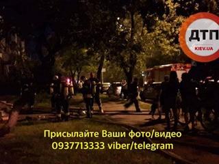 В Киеве подожгли книжный магазин, заперев избитого продавца внутри