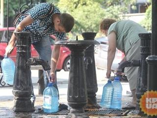 Водоканалы заявили, что не промывают трубы хлором в тройной концентрации