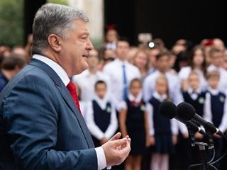 Рейтинг превыше всего: о чем говорили политики на школьных линейках