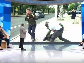 Сейчас все на нервах : в Донецке на российских журналистов напали во время прямого эфира
