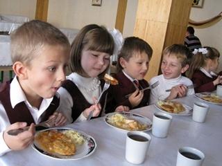 В Минздраве решают, как будут кормить школьников