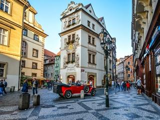 Средняя зарплата в Чехии впервые превысила 1200 евро