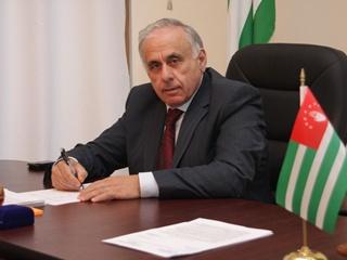 Премьер-министр непризнанной Абхазии погиб в ДТП
