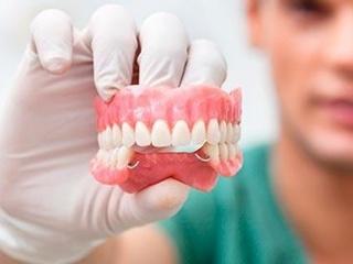 Имплантация зубов в Киеве: пошаговая инструкция