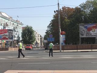 Тихий переворот: в Донецке  камуфляж  сменили  белые воротнички