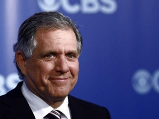 Глава CBS подал в отставку после обвинения в сексуальных домогательствах
