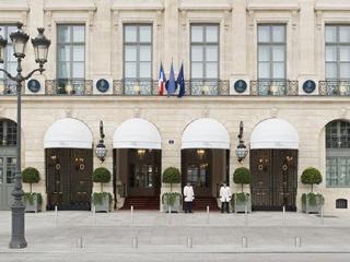 Саудовскую принцессу ограбили в самом дорогом отеле Парижа