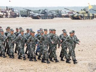 СМИ: Турция перебросила в Идлиб десятки бронемашин и танков