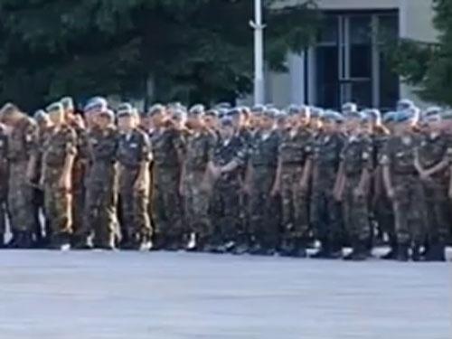 шагом перепрыгивал шлюхи в военной части сбрасывает