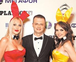 Playboy редактор гей приняли за главный