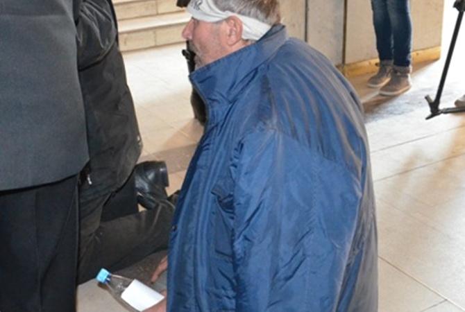 фото голодающего депутата приходько пологие, воды поросшие
