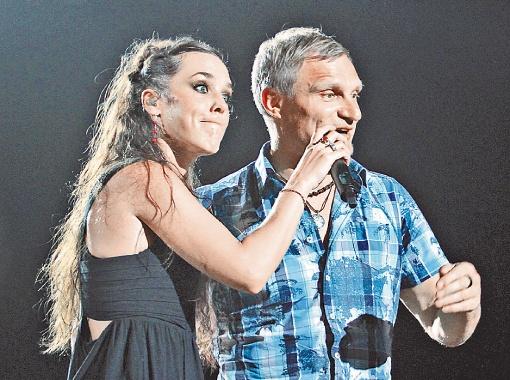 46-летний Олег Скрипка стал отцом в третий раз, а 57-летний