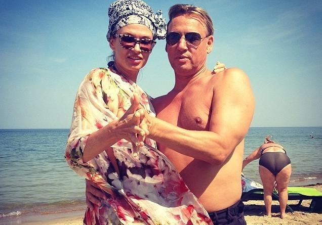 Эвелина бледанс пляже фильмы джеки чана хроники хуаду лезвие розы