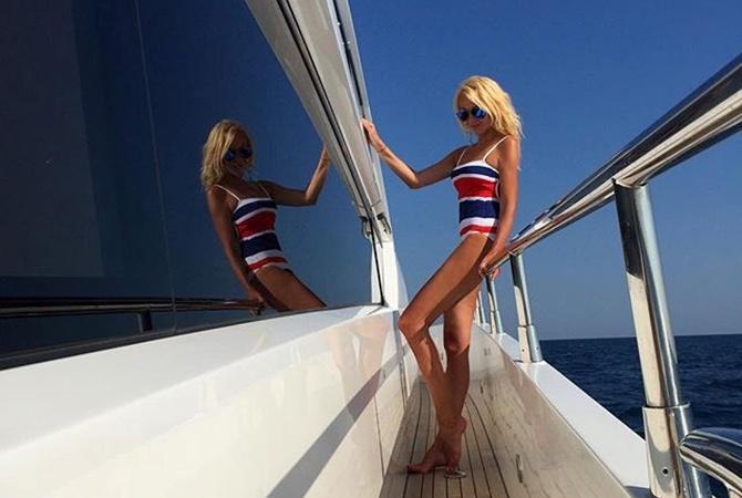 На яхте в попу видео