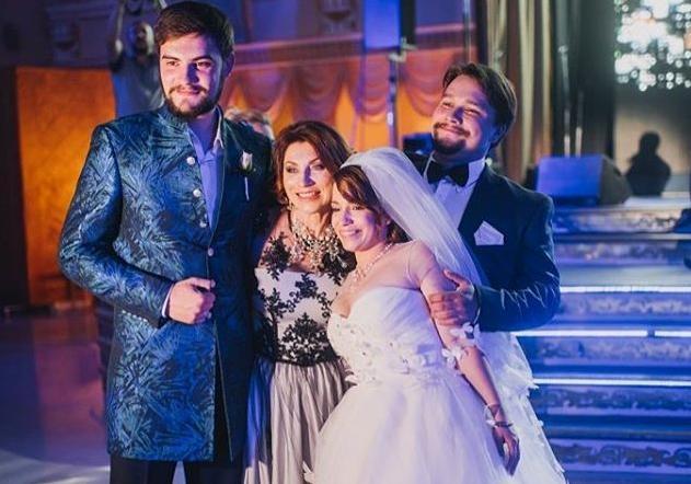 дочери розы сябитовой фото свадьба