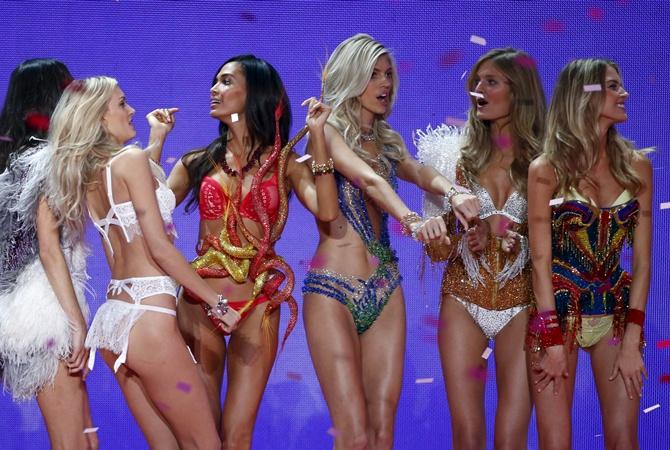 ee65bf077338 10 комплектов белья Victoria s Secret, о которых мы будем мечтать целый год