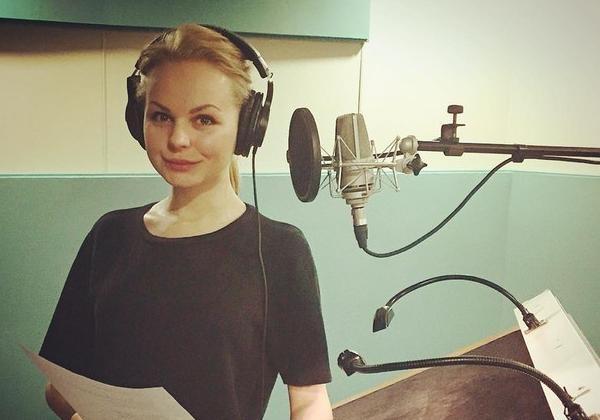 Экс-вокалистка'Ленинграда перепела песню Скрябина и сняла на нее дебютный клип