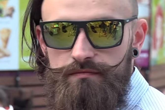 По Львову прошлись сотни брутальных бородатых мужчин