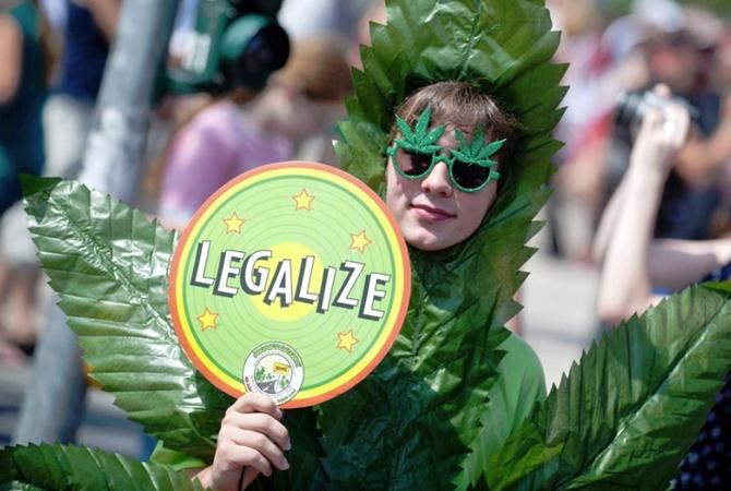 В Канаде хотят легализировать марихуану в 2018 году
