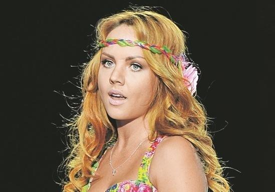 Мокрые смотреть российские звезды засветились женщин крупным