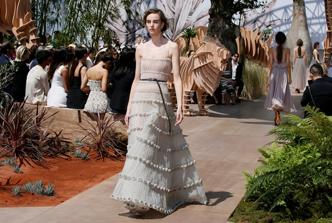 4ca165eb7b7 Трендом лета и осени назвали платья в стиле Марии-Антуанетты ...