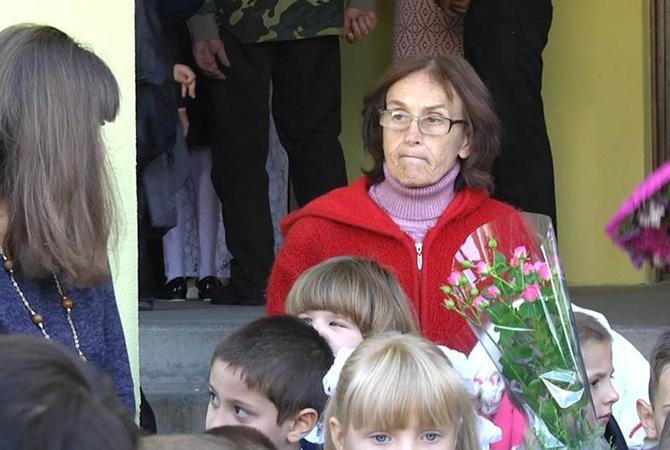 Отец мать и дочьв деревне