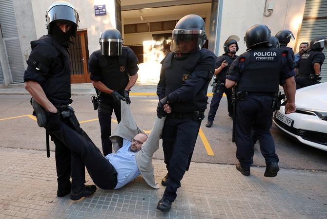 Волна арестов прокатилась поКаталонии из-за подготовки креферендуму