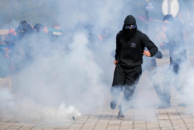Около 150 тыс. человек вышли встолице франции наакцию против трудовой реформы