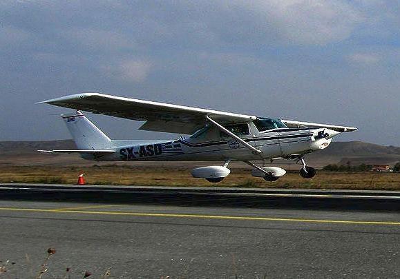 Двое жителей Украины погибли при крушении частного самолета вГреции