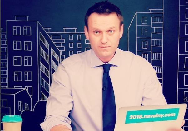 Спикер ЗакСа сравнил призывы наакцию Навального сбросанием «детей под дубинки»