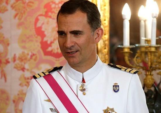 Монарх Испании обвинил власти Каталонии в несоблюдении конституции страны