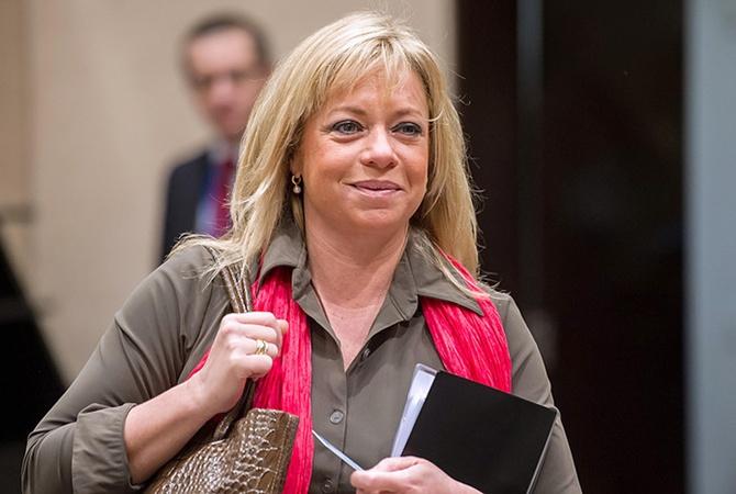 Министр обороны Нидерландов ушла вотставку из-за ситуации вМали