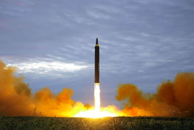 Порошенко заявил что Украина не собирается восстанавливать ядерный арсенал