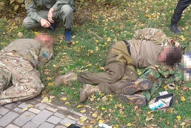 Будни Одессы: боевики вформе устроили беспредел впарке
