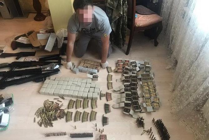 ВКиеве СБУ изъяла огромнейшее количество оружия ибоеприпасов