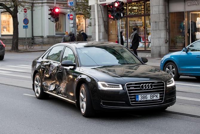 Джип врезался вавтомобиль премьера Эстонии