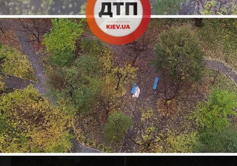 НаАкадемгородке вКиеве здешние граждане обнаружили «брошенный» труп