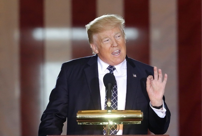 Корреспонденты подсчитали количество лживых заявлений Трампа напосту президента