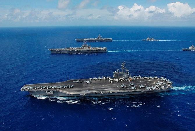 ВТихом океане нашли 8 выживших после крушения военного самолета США